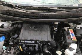 Chính chủ bán Hyundai Grand i10 đời 2017, màu bạc giá 365 triệu tại Tp.HCM