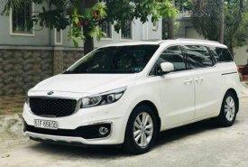 Cần bán lại xe Kia Sedona 3.3GATH đời 2016, màu trắng chính chủ giá 1 tỷ 50 tr tại Tp.HCM