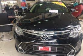 Cần bán Toyota Camry 2.0 đời 2015, màu đen giá 923 triệu tại Tp.HCM
