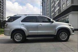 Cần bán xe Toyota Fortuner V AT sản xuất 2015, màu bạc như mới giá 765 triệu tại Hà Nội