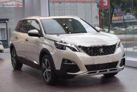 Cần bán Peugeot 5008 1.6 AT 2019, màu trắng giá 1 tỷ 399 tr tại Tp.HCM