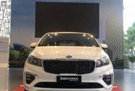 Bán xe Kia Sedona sản xuất năm 2019, màu trắng giá 1 tỷ 129 tr tại Tp.HCM