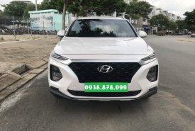 Bán Hyundai Santa Fe 2.4 4x2AT đời 2019, màu trắng có trả góp giá 1 tỷ 30 tr tại Tp.HCM