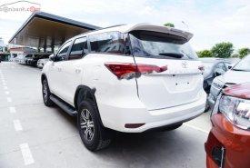 Bán xe Toyota Fortuner 2.4G 4x2 MT đời 2019, màu trắng giá 1 tỷ 13 tr tại Tp.HCM