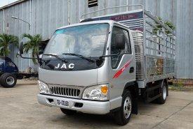 Giá xe tải JAC 2t4 thùng bạt dài 4m4, máy ISUZU, hỗ trợ trả góp 80% giá 90 triệu tại Tp.HCM