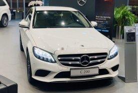 Bán Mercedes sản xuất năm 2019, màu trắng, bản C200 giá 1 tỷ 499 tr tại Tp.HCM