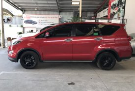 Bán xe Innova Venturer màu đỏ 2019, liên hệ ngay để nhận ngay giá ưu đãi giá 880 triệu tại Tp.HCM