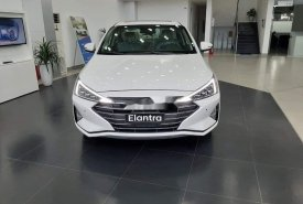 Cần bán xe Hyundai Elantra năm sản xuất 2019, màu trắng giá 616 triệu tại Đà Nẵng