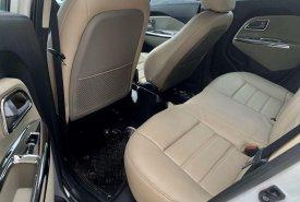 Cần bán lại xe Kia Rio đời 2015, màu trắng, nhập khẩu nguyên chiếc số sàn, 420tr giá 420 triệu tại Tp.HCM