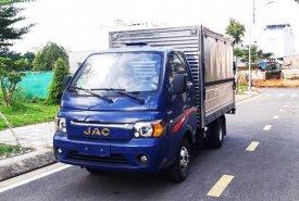 Xe tải JAC 1.5 tấn thùng kín cánh dơi (có phiếu thùng), trả trước 80 triệu giá 335 triệu tại Tp.HCM