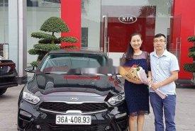Cần bán xe Kia Cerato 2019, màu đen, nhập khẩu nguyên chiếc giá 640 triệu tại Thanh Hóa