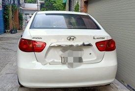 Bán Hyundai Elantra đời 2011, màu trắng, nhập khẩu nguyên chiếc số sàn giá 265 triệu tại Đà Nẵng