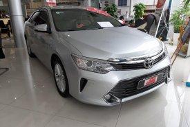 Cần bán lại xe Toyota Camry 2.5G sản xuất 2015, màu bạc giá 910 triệu tại Tp.HCM