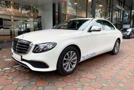 Cần bán Mercedes E200 đời 2019, màu trắng giá 1 tỷ 920 tr tại Hà Nội