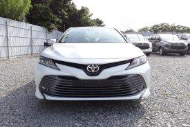 Cần bán Toyota Camry 2.0G 2020 màu trắng ngọc trai, mua góp ngân hàng chỉ từ 350 triệu trả trước giá 1 tỷ 37 tr tại BR-Vũng Tàu