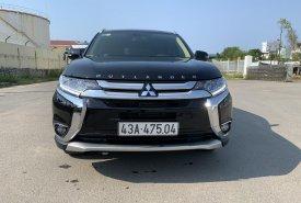 Cần bán xe giá ưu đãi với chiếc Mitsubishi Outlander 2.4 CVT, đời 2019, màu đen giá 950 triệu tại Đà Nẵng