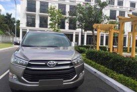 Cần bán Toyota Innova đời 2017, màu xám, số sàn, 596tr giá 596 triệu tại Tp.HCM