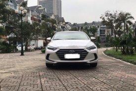 Cần bán gấp Hyundai Elantra 1.6AT sản xuất 2016, màu trắng số tự động giá 539 triệu tại Hà Nội