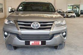 Cần bán lại chiếc Toyota Fortuner G MT, máy dầu, đời 2017 màu bạc, nhập khẩu nguyên chiếc giá 880 triệu tại Tp.HCM