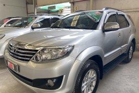 Cần bán lại xe Toyota 4 Runner 2.7 2013, màu bạc giá 670 triệu tại Tp.HCM