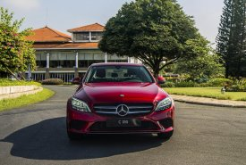 Giảm tiền mặt trực tiếp khi mua chiếc Mercedes-Benz C180, sản xuất 2020, giao nhanh giá 1 tỷ 399 tr tại Tp.HCM