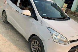 Cần bán lại xe Hyundai Grand i10 2015, màu trắng giá 268 triệu tại Thanh Hóa