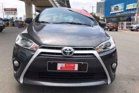 Cần bán gấp Toyota Yaris đời 2015, màu xám, xe nhập, số tự động giá 560 triệu tại Tp.HCM