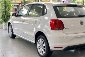 Volkswagen Polo Hatchback màu trắng, nhập khẩu nguyên chiếc giá 600 triệu tại Quảng Ninh