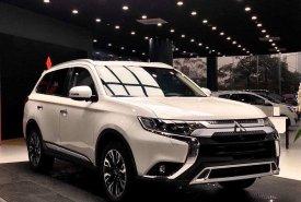 Bán Mitsubishi Outlander CVT năm 2020, màu trắng. Khuyến mãi lớn giá 825 triệu tại Nghệ An