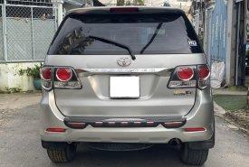 Gia đình cần bán xe Toyota Fotuner 2016, số sàn, màu bạc giá 698 triệu tại Tp.HCM
