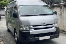 Nhà cần bán Toyota Hiace 2018 số sàn, máy dầu, màu xám giá 679 triệu tại Tp.HCM