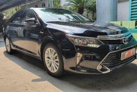 Cần bán gấp Toyota Camry 2.0E đời 2019, màu đen, chuẩn chỉ 48.000km giá 950 triệu tại Tp.HCM