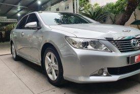 Xe Toyota Camry 2.5Q sản xuất 2014, màu bạc, giá giảm sâu giá 810 triệu tại Tp.HCM