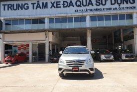 Bán ô tô Toyota Innova 2.0E đời 2015, màu bạc chuẩn chỉ 101.000km - đầy đủ option- giá tốt giá 520 triệu tại Tp.HCM