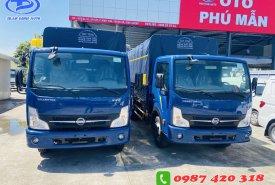 Xe tải NISSAN 1T9 thùng mui bạc 4m3 . Hỗ trợ trả góp đến 80% giao xe ngay giá 120 triệu tại Bình Dương
