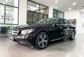Bán Mercedes E180 2020 màu đen siêu lướt biển đẹp, xe đã qua sử dụng chính hãng, KM lớn giá 1 tỷ 860 tr tại Hà Nội